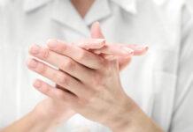 Jak prawidłowo zdezynfekować dłonie